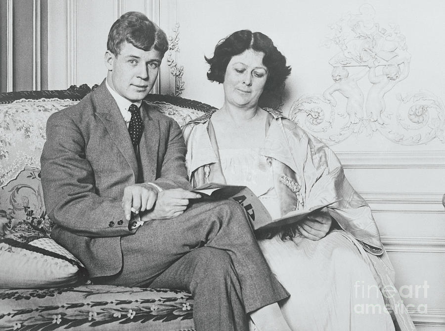 Isadora Duncan And Husband Together Photograph by Bettmann