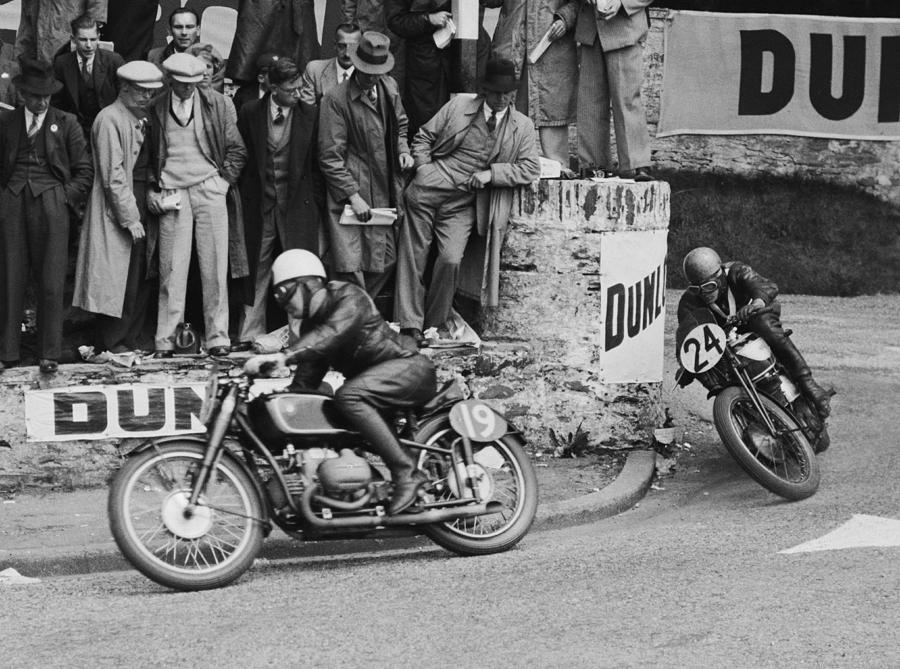 Isle Of Man Tt Race Photograph by Fox Photos