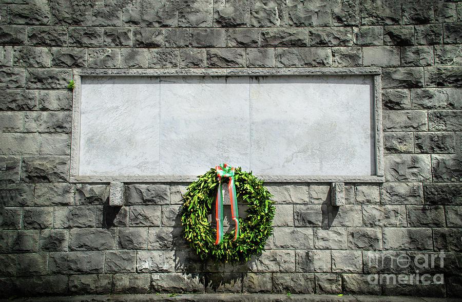 italian memorial stone blank funeral crown background by Luca Lorenzelli