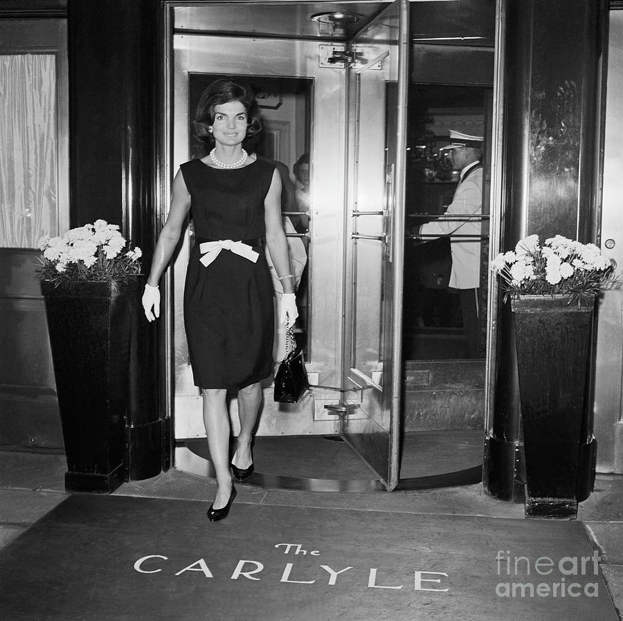 Jackie Kennedy Leaving Carlyle Hotel Photograph by Bettmann