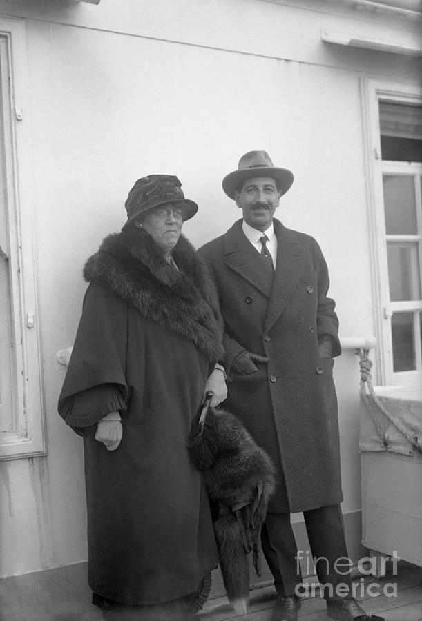Jacques Cartier & Wife Photograph by Bettmann