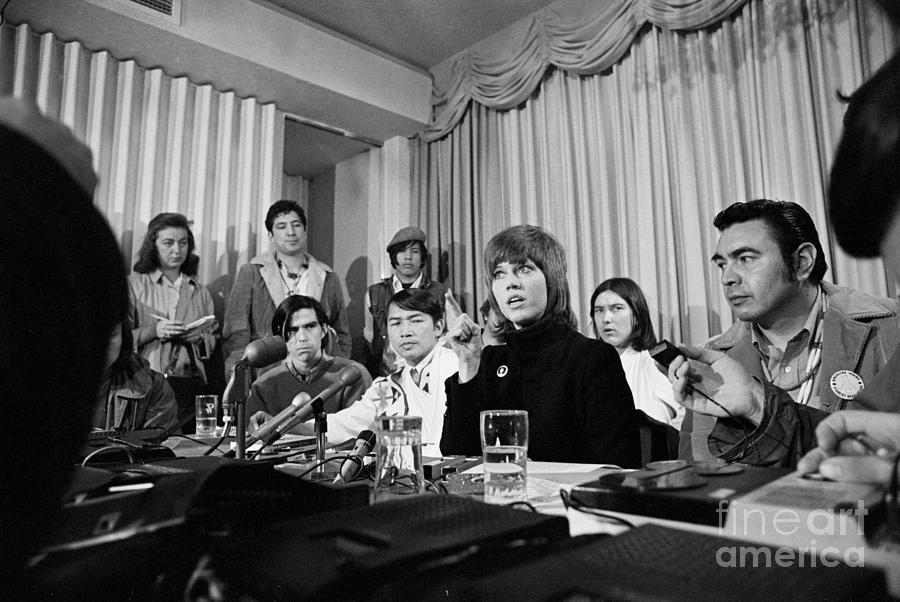 Jane Fonda Addressing Reporters Photograph by Bettmann