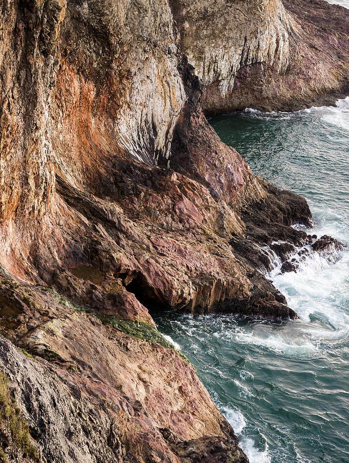 Jasper Cliffs by Robert Potts