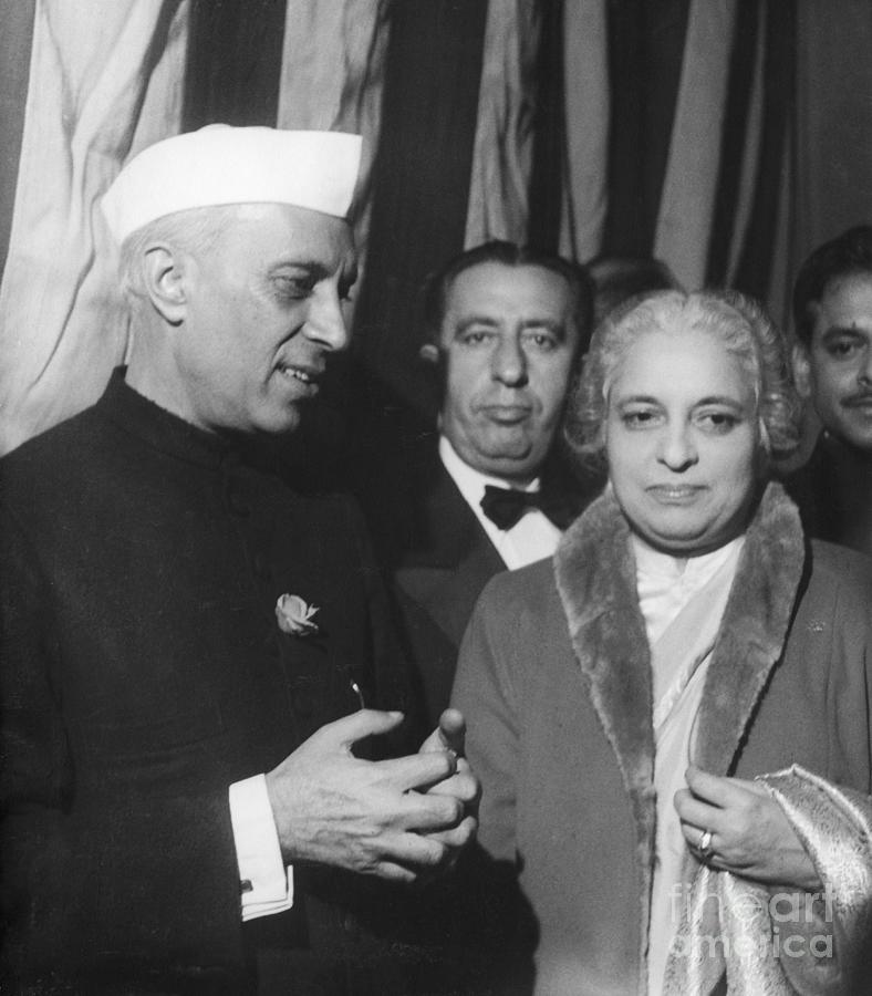 Jawaharlal Nehru And Vijaya Lakshmi Photograph by Bettmann