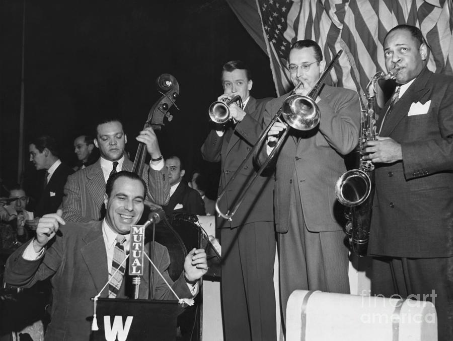 Jazz Musicians In Jam Session Photograph by Bettmann
