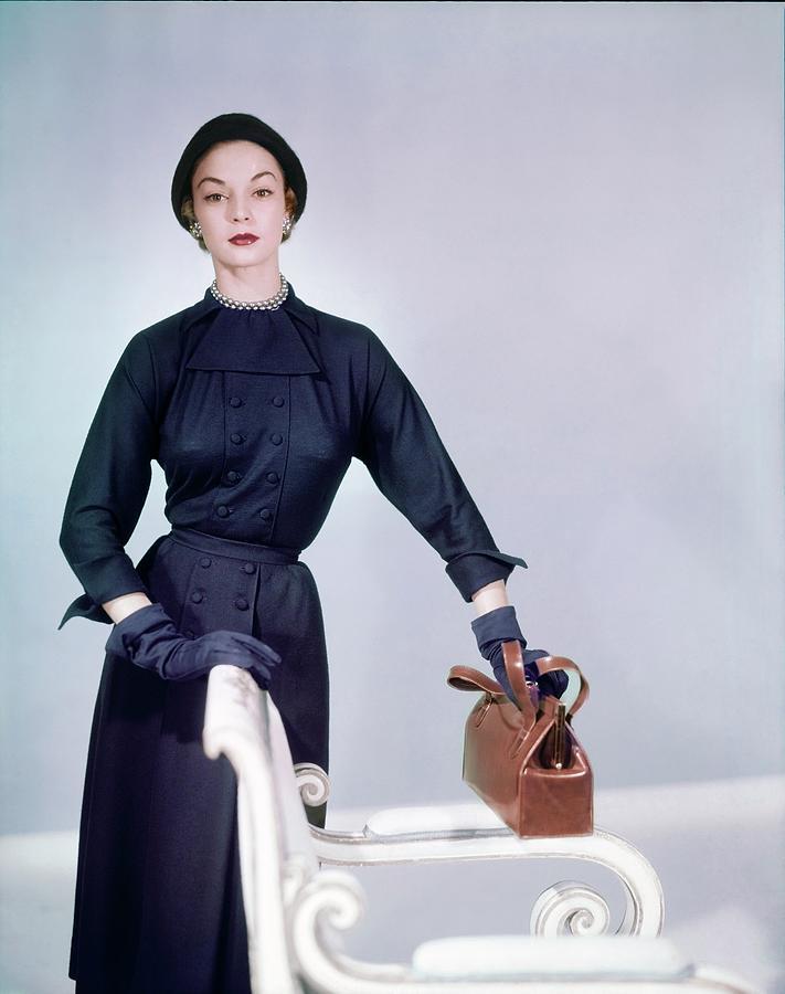 Beauty Photograph - Jean Patchett Wearing Zelma Golden by Horst P. Horst