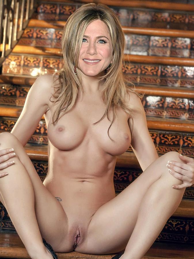 Jennifer aniston naked and fucking courtney cox