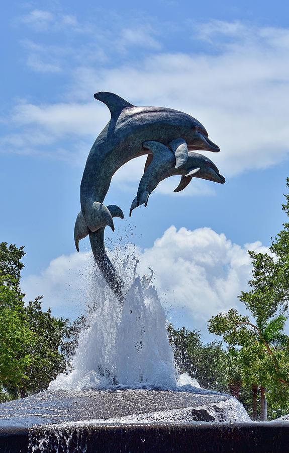 Jensen Beach Dolphin Statue by William Tasker