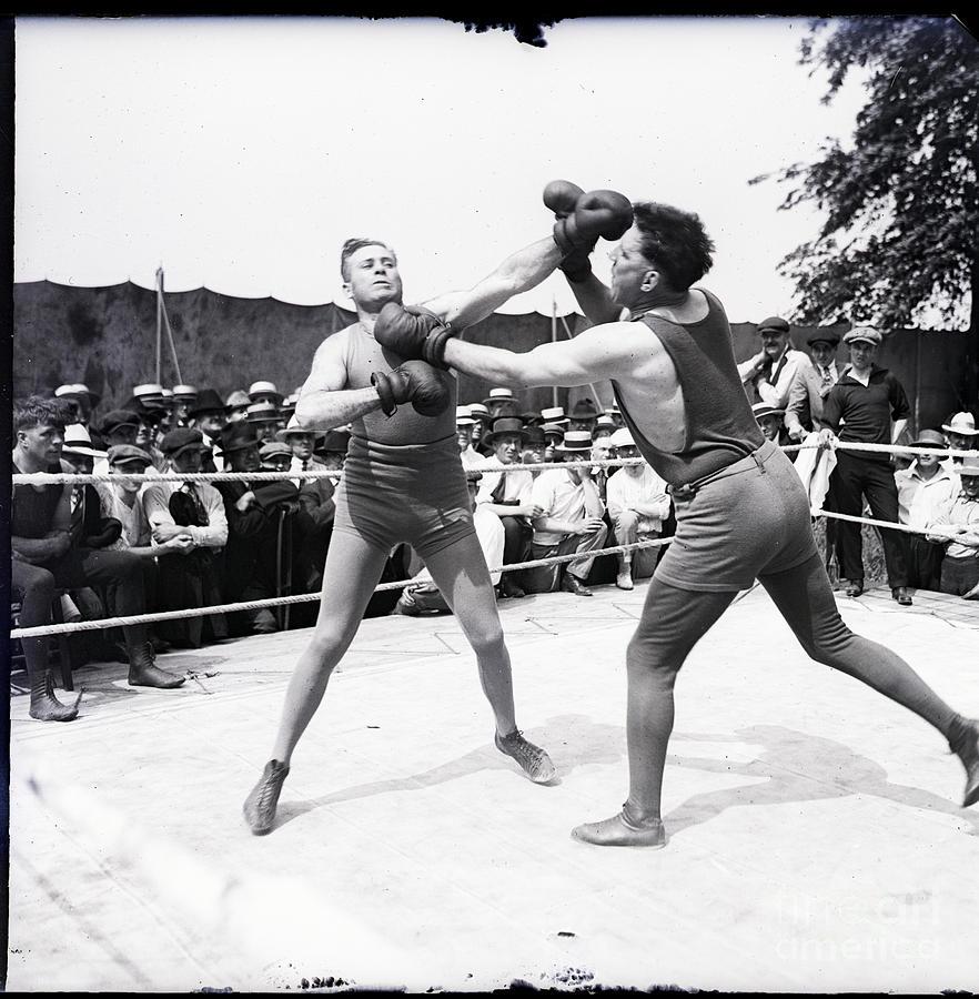 Jess Willard With Walter Monahan Photograph by Bettmann