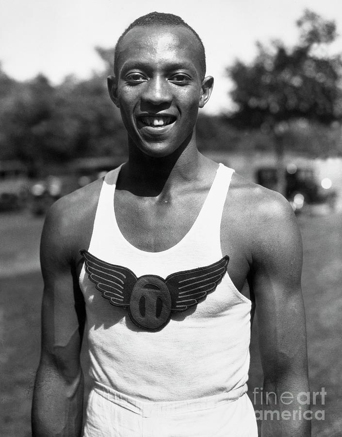 Jesse Owens Photograph by Bettmann
