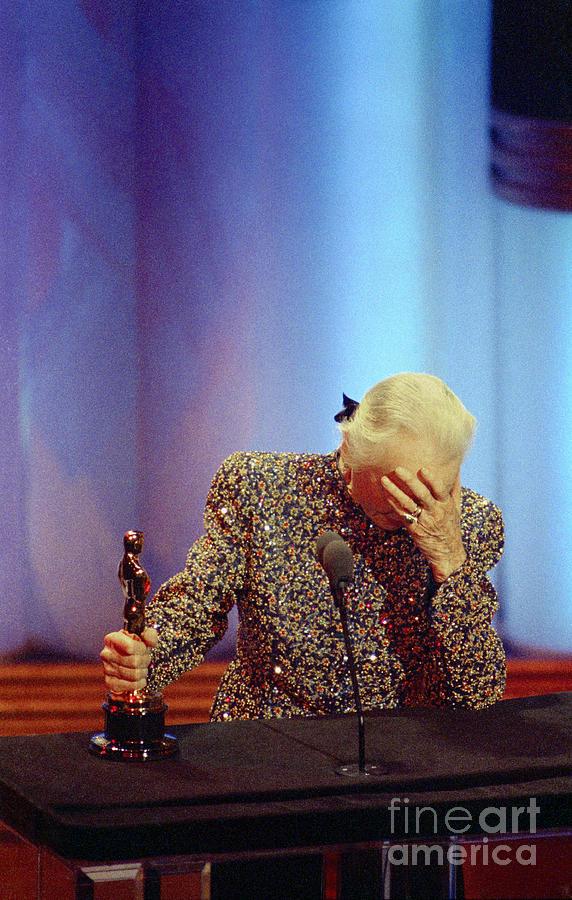 Jessica Tandy Looking At Oscar Award Photograph by Bettmann