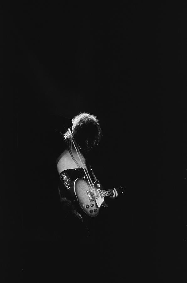 Jimmy Page At The Forum Photograph by Michael Ochs Archives