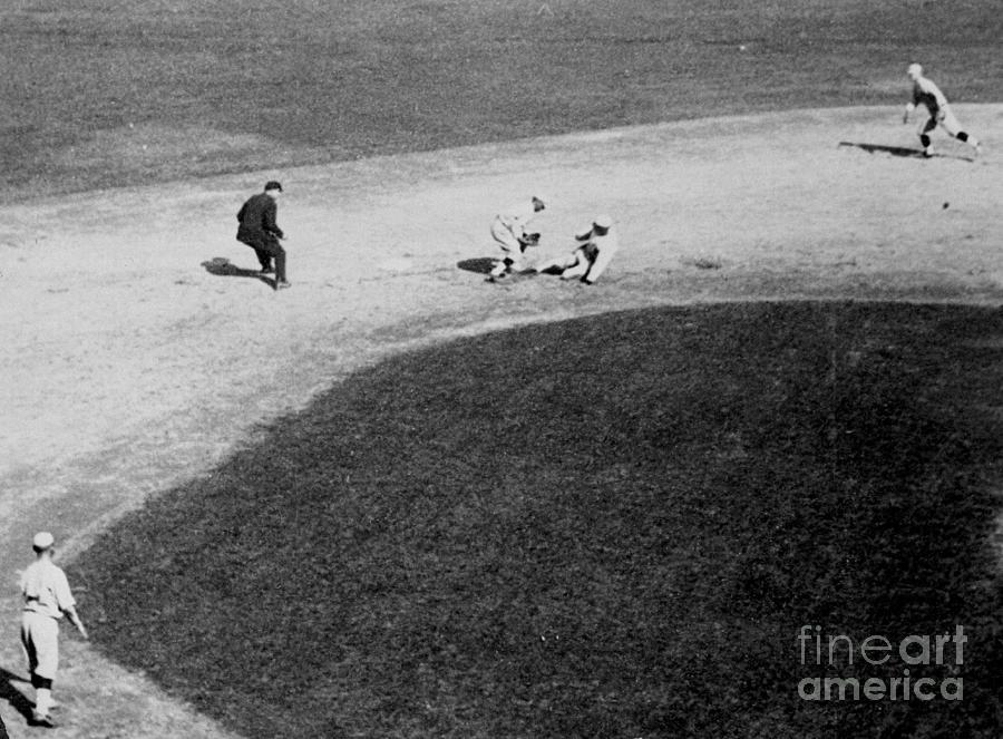 Joe Jackson Stealing Base Photograph by Bettmann