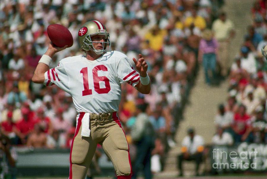 Joe Montana About To Throw Football Photograph by Bettmann
