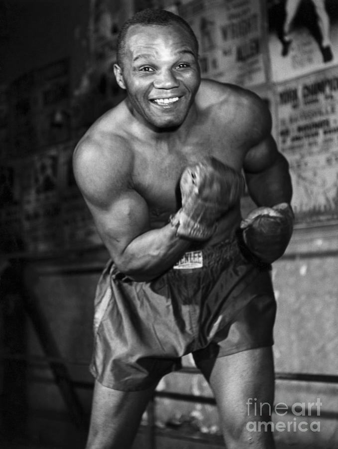Joe Walcott In The Boxing Ring Photograph by Bettmann
