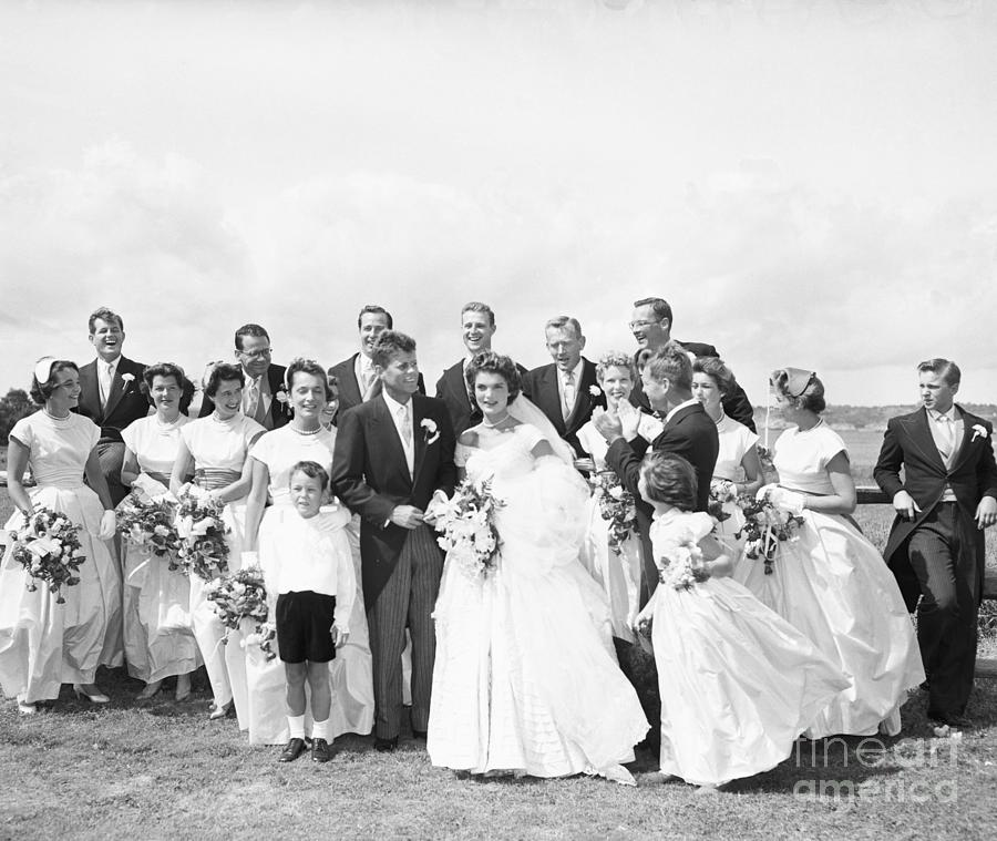 John And Jackie Kennedy On Wedding Day Photograph by Bettmann