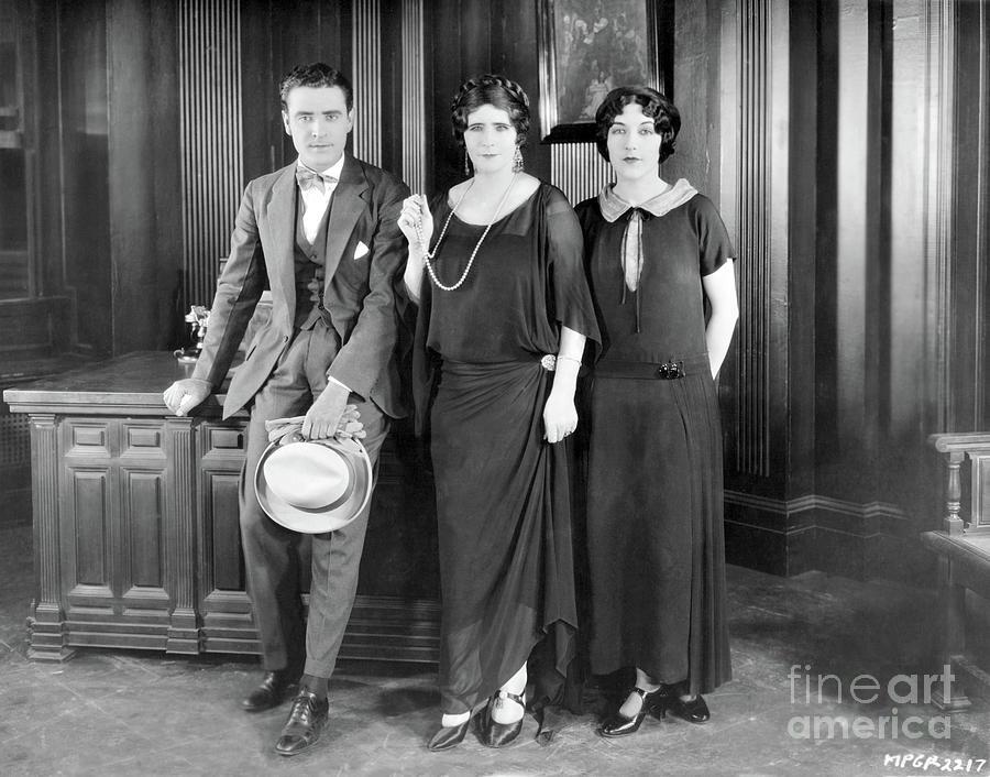 John Gilbert Photograph - John Gilbert Elinor Glyn Aileen Pringle 1924 by Sad Hill - Bizarre Los Angeles Archive