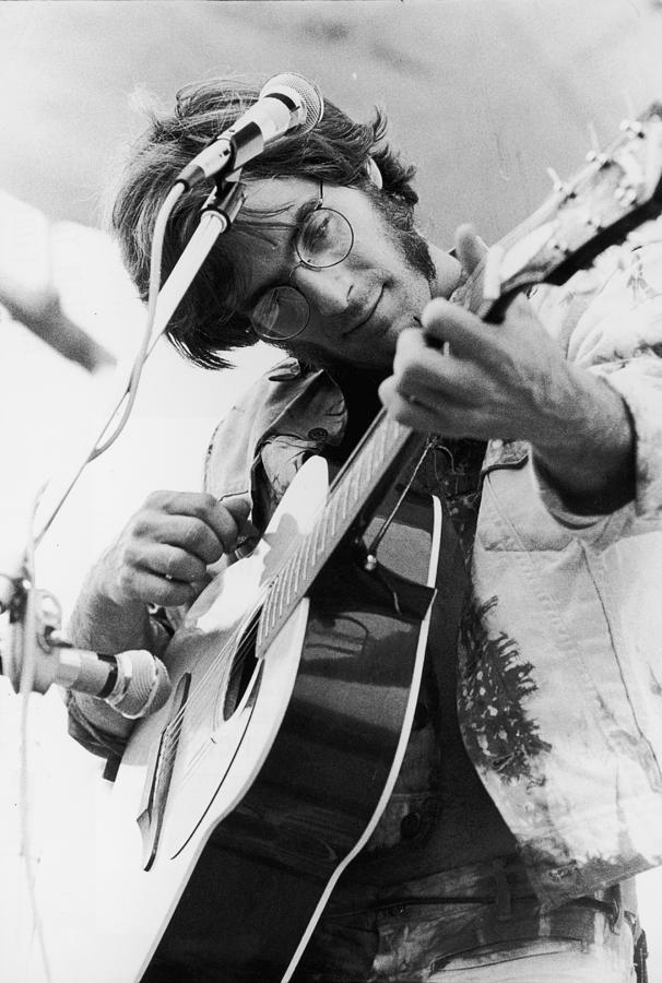 Art print POSTER CANVAS John Sebastian Performing at Woodstock
