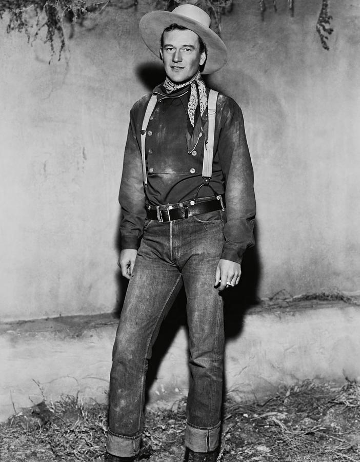 JOHN WAYNE in STAGECOACH -1939-. Photograph by Album