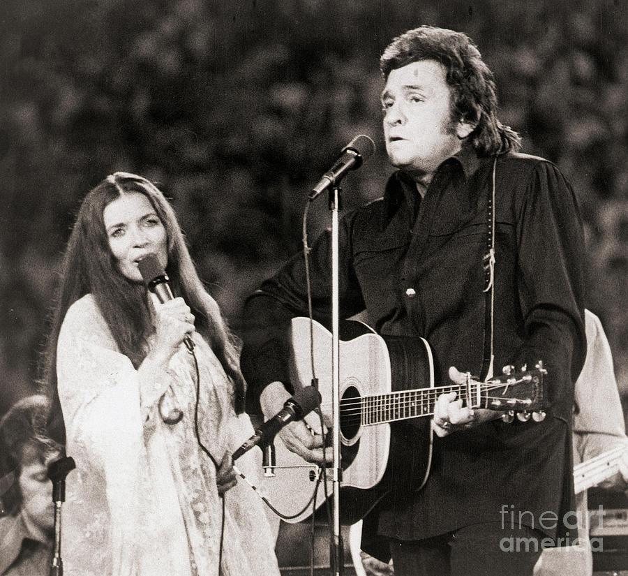 Johnny Cash And Wife June Carter Cash Photograph by Bettmann