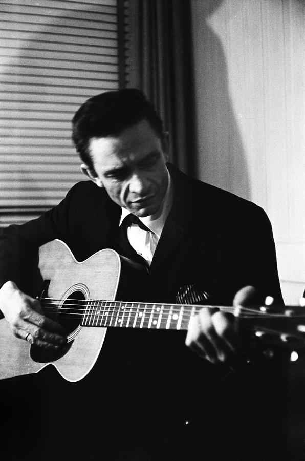 Johnny Cash At The New York Folk Photograph by Michael Ochs Archives