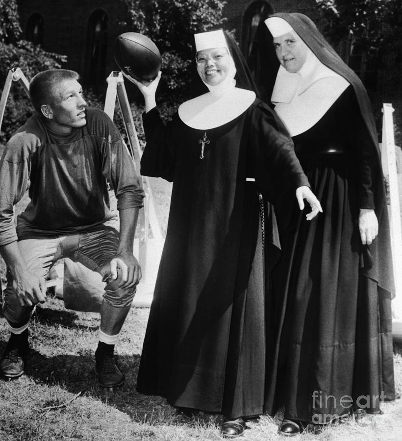 Johnny Unitas Teaches Nuns How To Throw Photograph by Bettmann