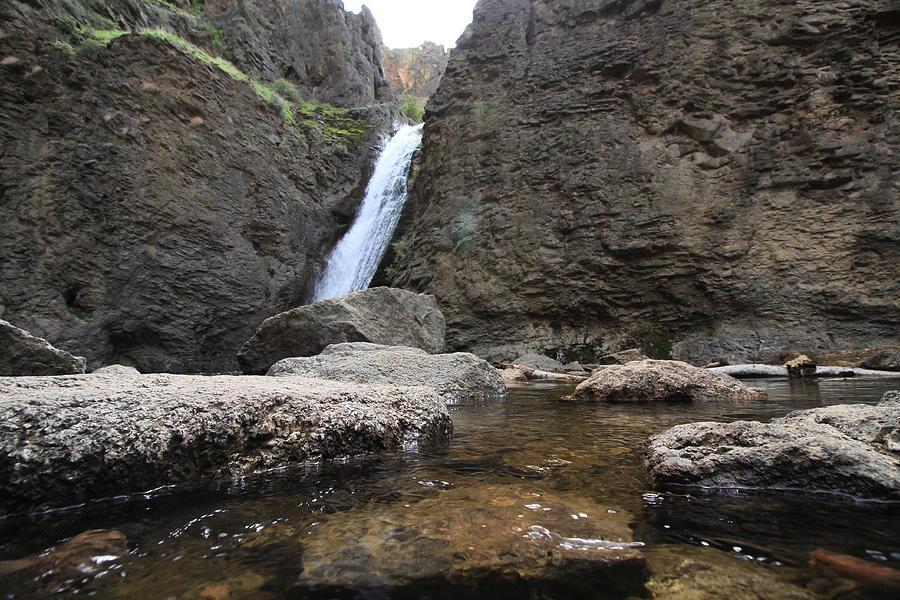 Jump Creek Falls by Ed  Riche