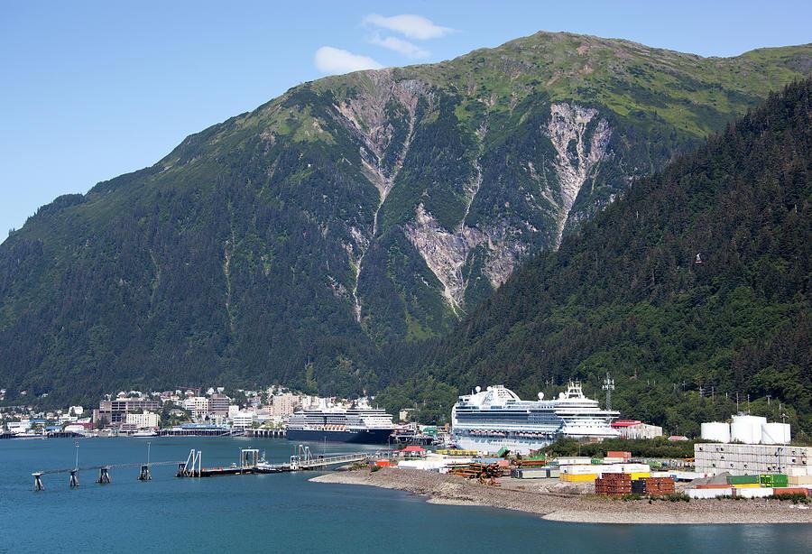 Juneau City Port by Ramunas Bruzas