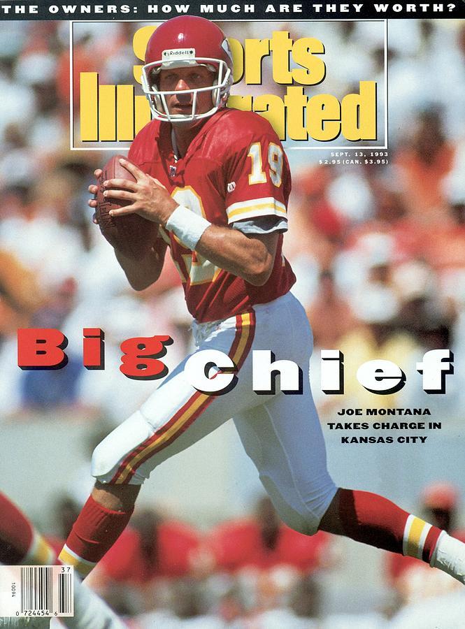 Kansas City Chiefs Qb Joe Montana... Sports Illustrated Cover Photograph by Sports Illustrated