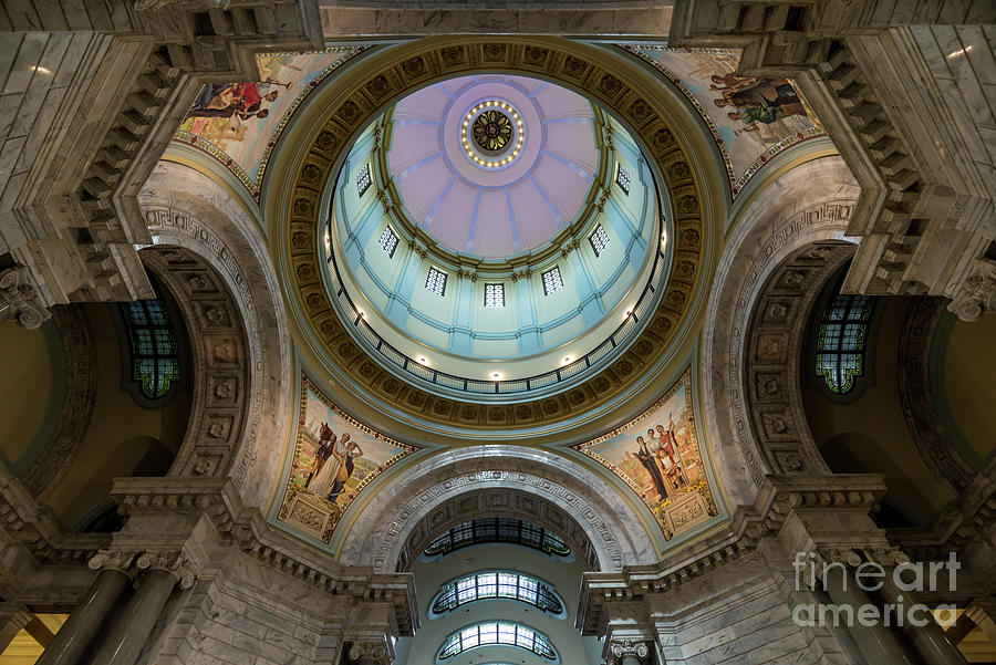 Kentucky Capitol Dome 2 - Frankfort by Gary Whitton
