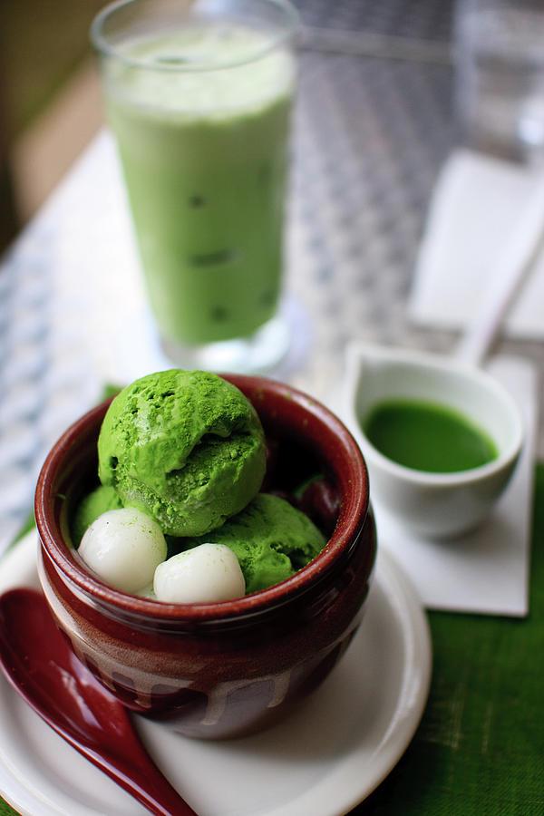 Kichi Cafe Photograph by David Kawabata