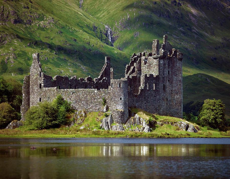 Kilchurn Castle, Scotland Photograph by Daryl Benson