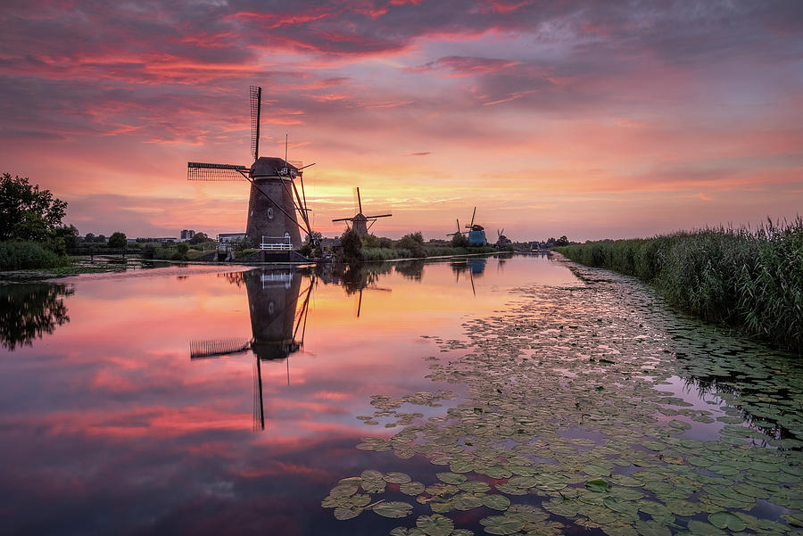 Kinderdijk sunset by Mario Visser