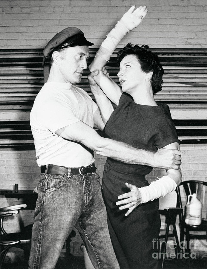 Kirk Douglas And Joan Tetzel In Scene Photograph by Bettmann