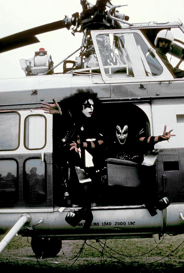 Kiss In Cadillac Photograph by Fin Costello