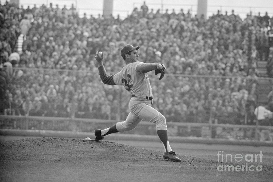 Koufax Throwing The Pitch Photograph by Bettmann