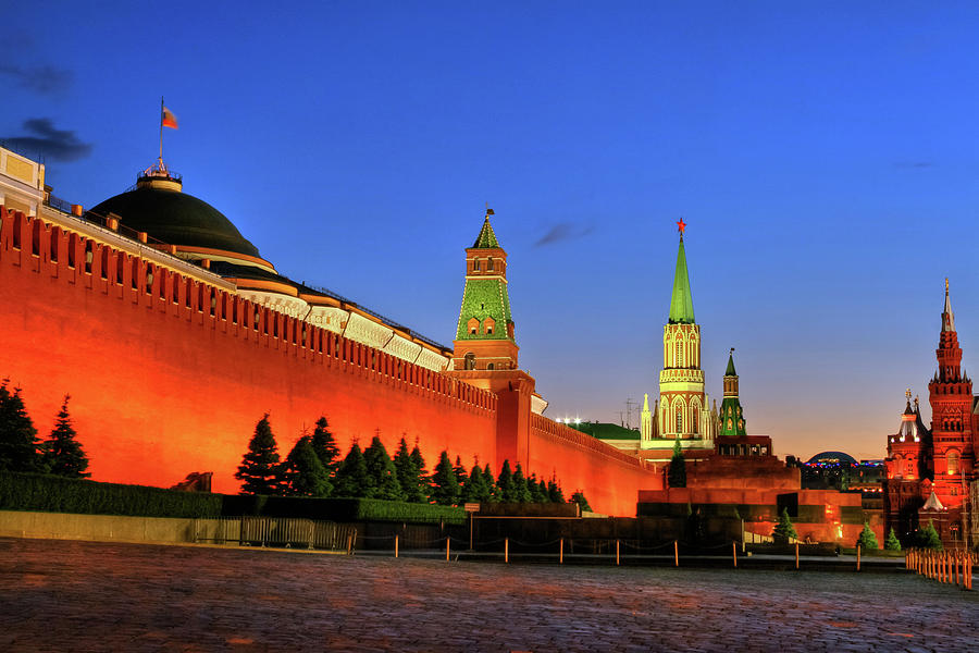 Kremlin And Red Square Photograph by Pola Damonte Via Getty Images