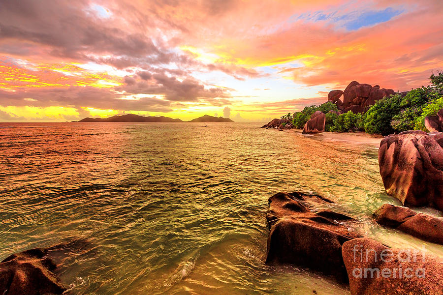 La Digue Sunset by Benny Marty