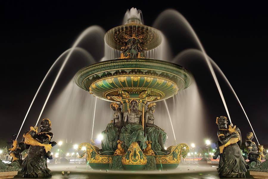 La Fontaine Des Fleuves Photograph by Yann Le Biannic