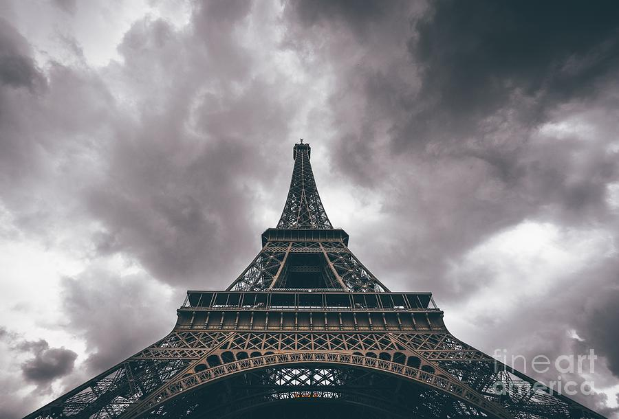 La Tour Eiffel by Michael Graham