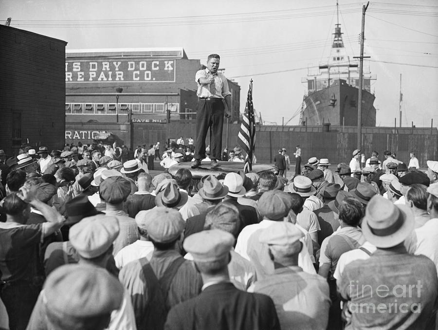 Labor Organizer Addressing Open Meeting Photograph by Bettmann