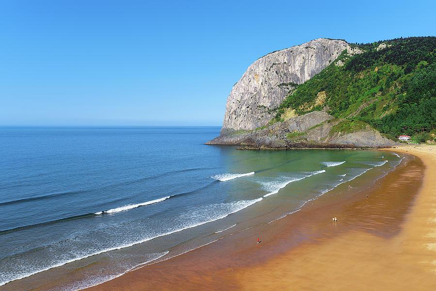 Laga beach  by Mikel Martinez de Osaba
