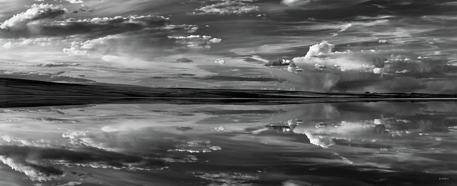 Alkali Lake Photograph - Lake Abert 11 Black And White by Leland D Howard