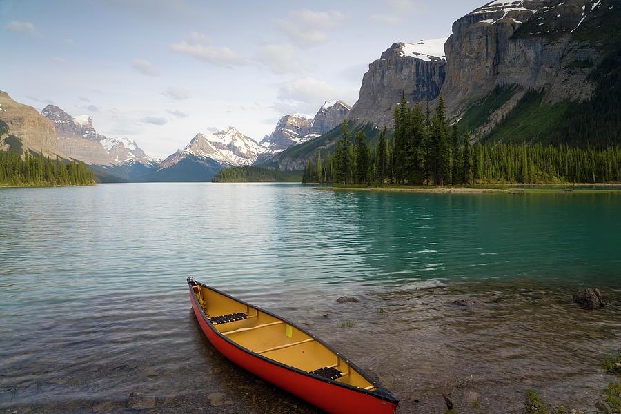 Lake Maligne, Jasper National Park Photograph by Peter Adams