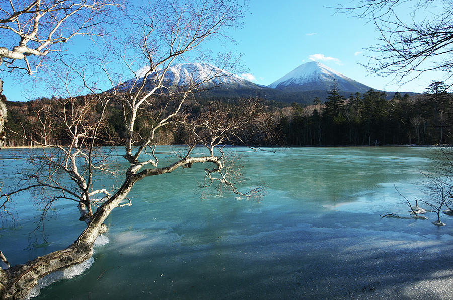 Lake Onneto, Hokkaido Prefecture, Japan Photograph by Image House/a.collectionrf