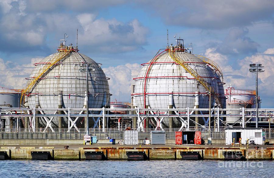 Large Spherical Fuel Storage Tanks by Yali Shi