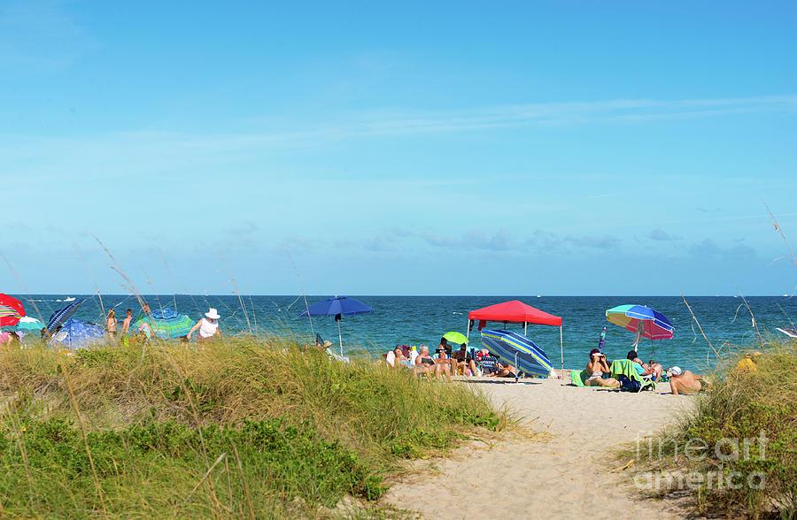 Lauderdale By The Sea beach by Les Palenik