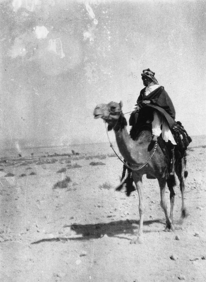 Lawrence Of Arabia Photograph by Hulton Archive