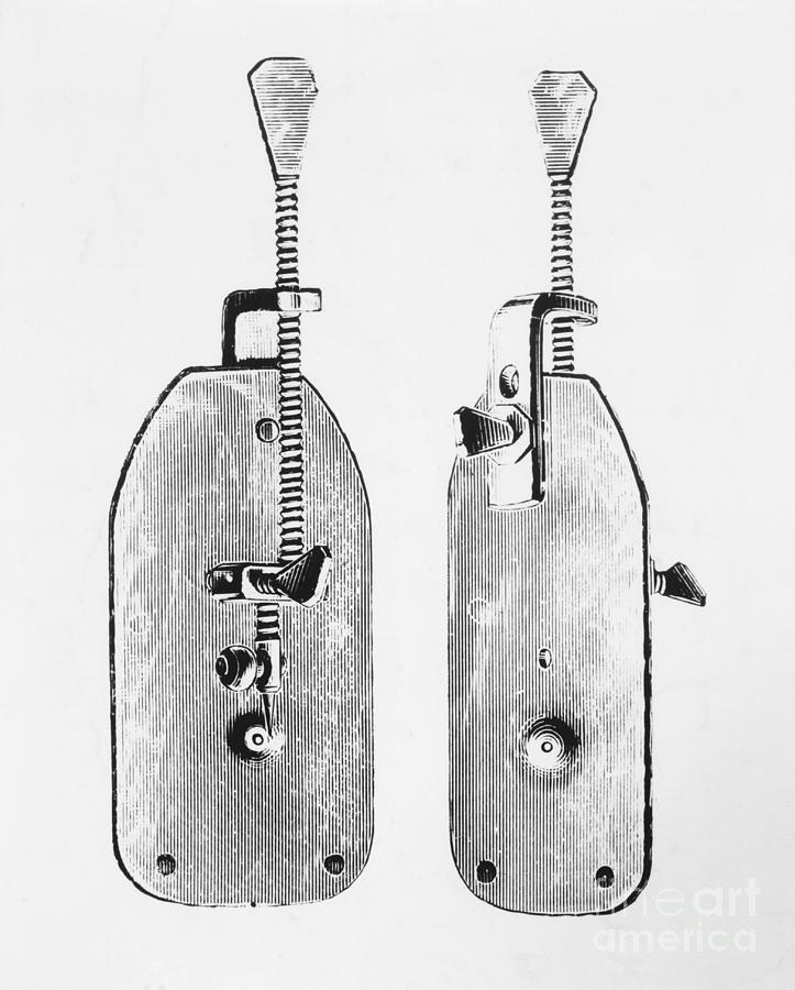 Leeuwenhoeks Original Microscope Photograph by Bettmann