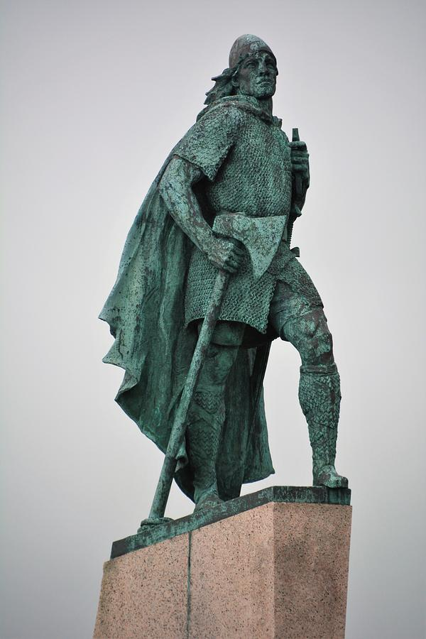 Statue Photograph - Leif Erikson by Norman Burnham